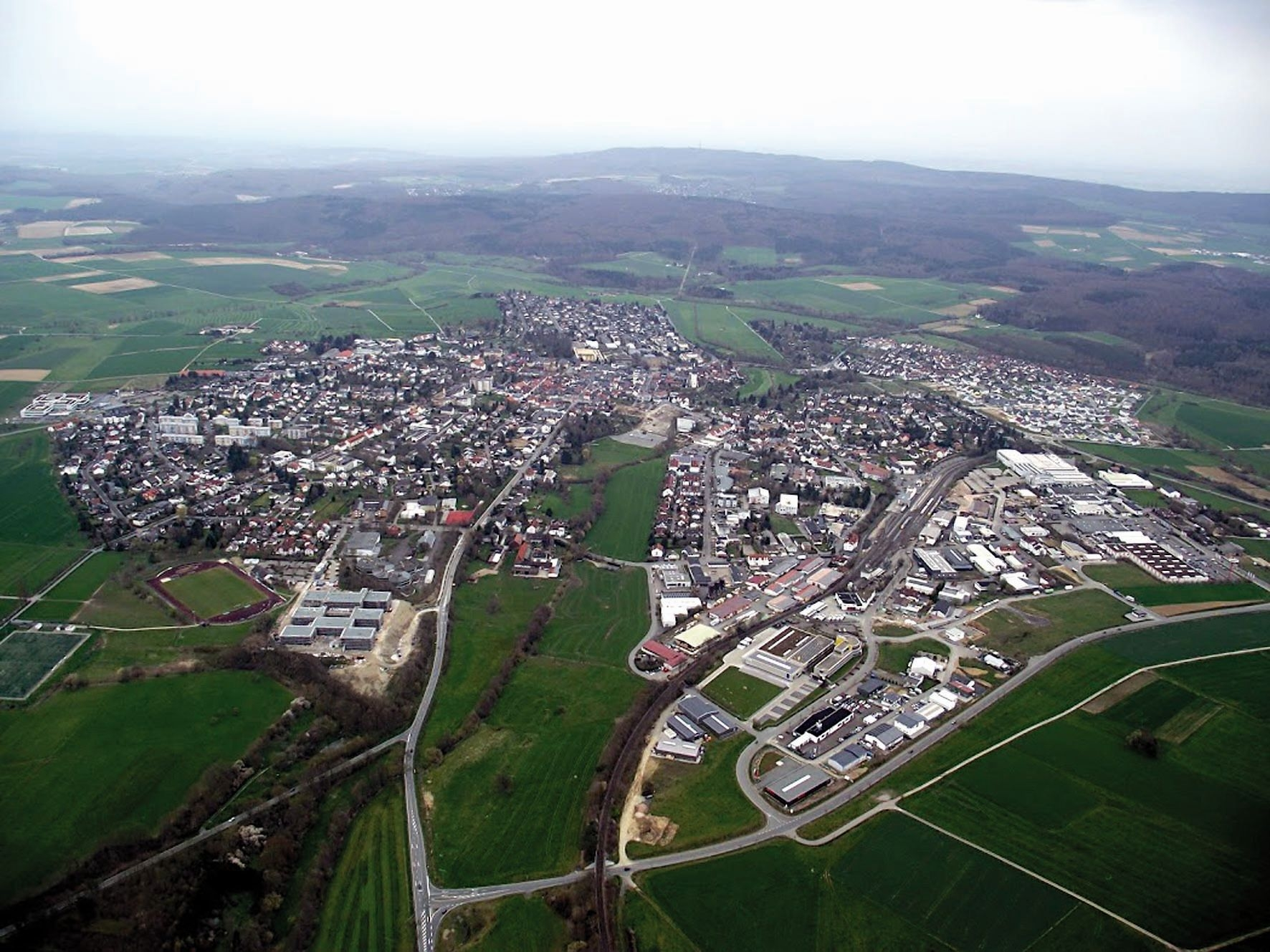 Usingen-05-April 2016 Gewerbegebiet.jpg